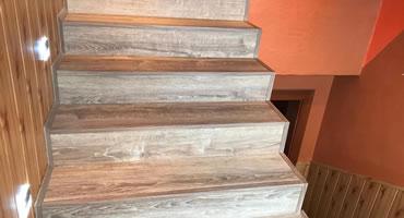 Schody obkladané laminátovou podlahou Alsafloor
