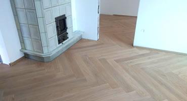 Masívna podlaha 20mm, Dub bielený, vzor stromček