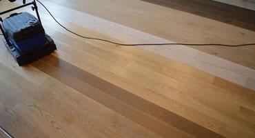 Čistenie drevenej podlahy – SVET DREVA