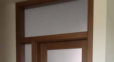 Dvere s nadsvetlíkom a bočnými prísvetlíkmi, typ B, typ C, sklo Matelux
