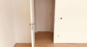 Laminátové dvere plné, dekór CPL platinová biela - biele hladké