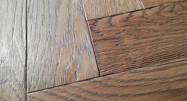 Herringbone podlaha – kolekcia Provence postaršený povrch
